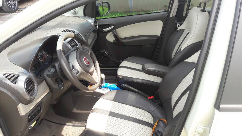 Fiat Grand Siena Essence Dualogic 1.6 16V (Flex) - Foto #3