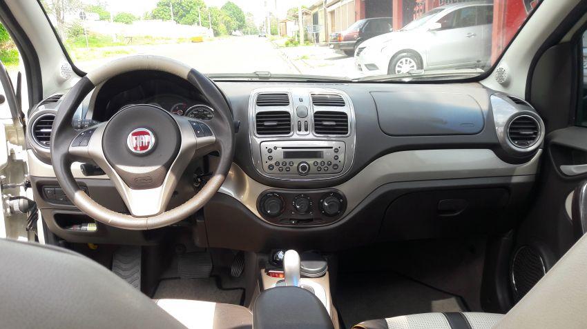 Fiat Grand Siena Essence Dualogic 1.6 16V (Flex) - Foto #5