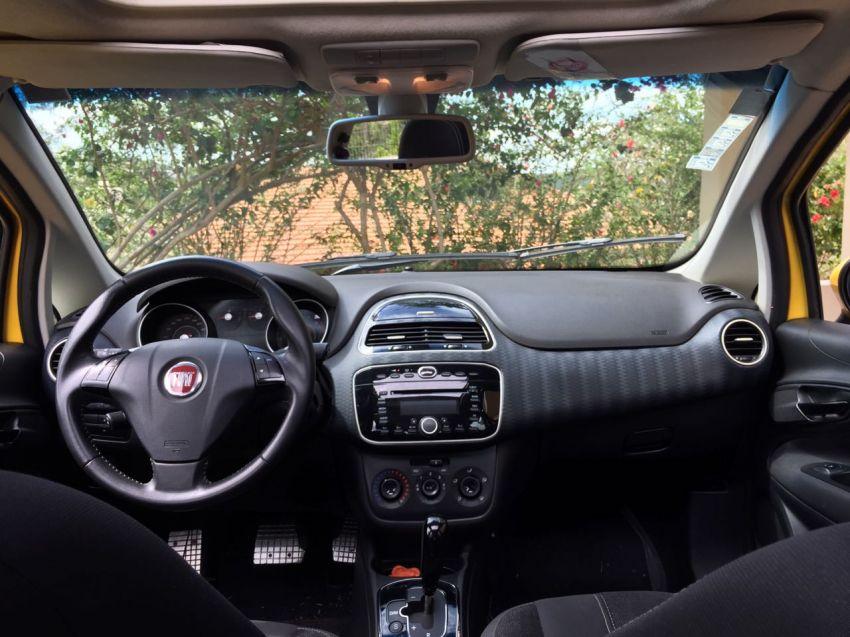 Fiat Punto Sporting 1.8 16V Dualogic (Flex) - Foto #1