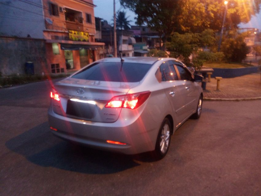 Hyundai HB20 1.6 S Premium (Aut) - Foto #4
