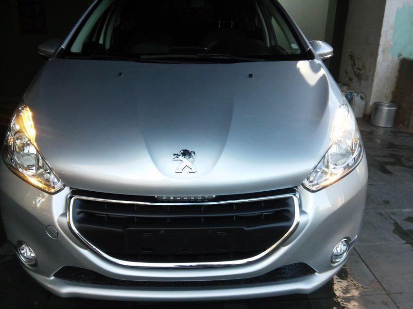 Peugeot 208 1.5 8V Allure (Flex) - Foto #1