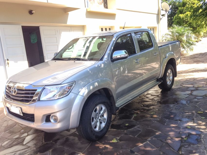 Toyota Hilux 2.7 SRV CD 4x4 (Flex) (Aut) - Foto #3
