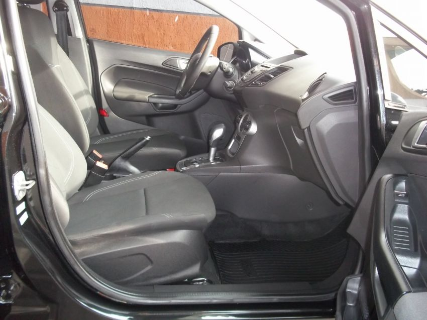 Ford New Fiesta 1.6 SE PowerShift - Foto #5