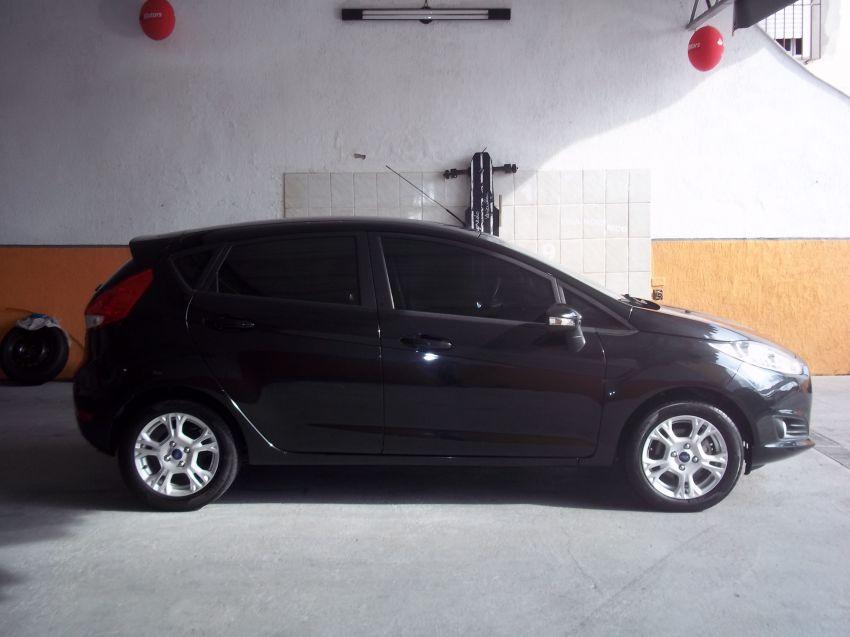 Ford New Fiesta 1.6 SE PowerShift - Foto #7