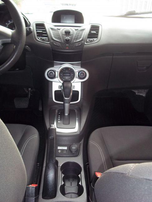 Ford New Fiesta 1.6 SE PowerShift - Foto #9
