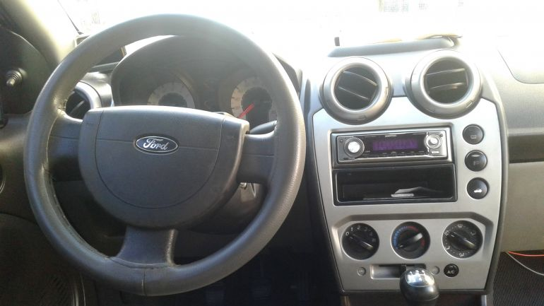 Ford Fiesta Sedan 1.0 (Flex) - Foto #3