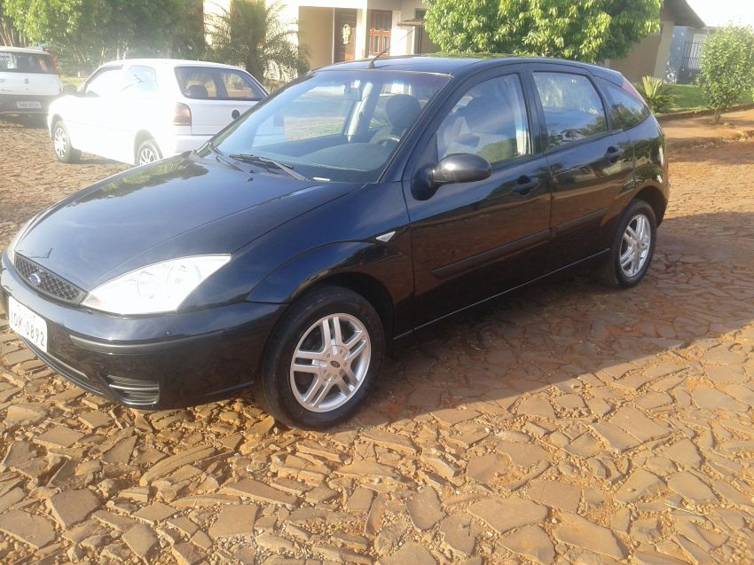 Ford Focus Hatch GLX 1.6 8V (Flex) - Foto #6