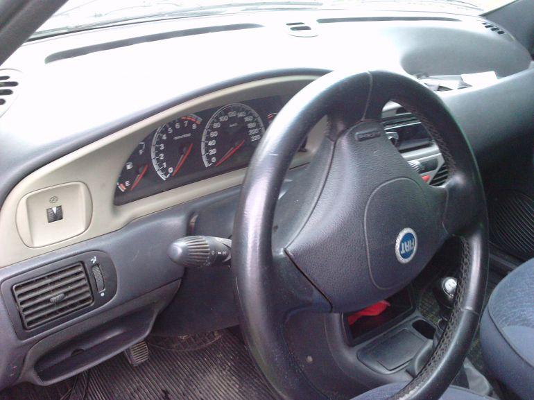 Fiat Palio Weekend 1.6 MPi 16V - Foto #8