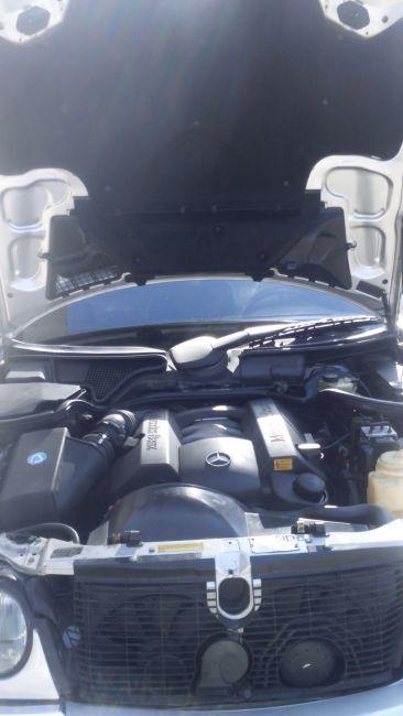 Mercedes-Benz E 250 Auto - Foto #3