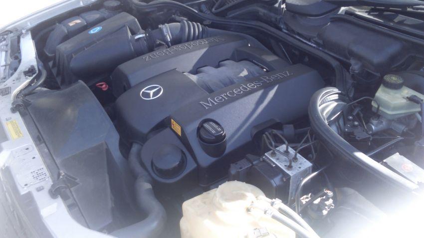 Mercedes-Benz E 250 Auto - Foto #5