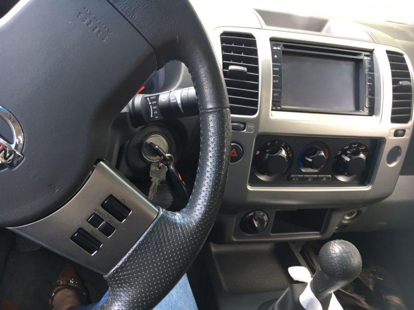 Nissan Pick Up D 22 Frontier 4x4 2.5 (cab.dupla) - Foto #5