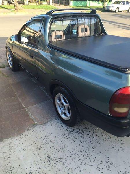 Chevrolet Corsa Pick Up GL 1.6 EFi - Foto #3