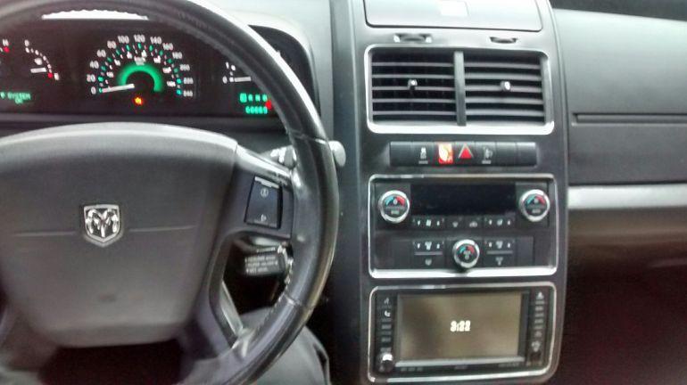 Dodge Journey SXT 2.7 V6 - Foto #5