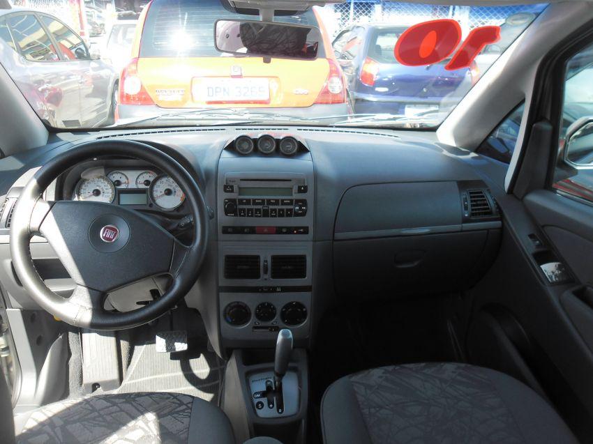 Fiat Idea 1.8 Adventure Dualogic (Flex) - Foto #2