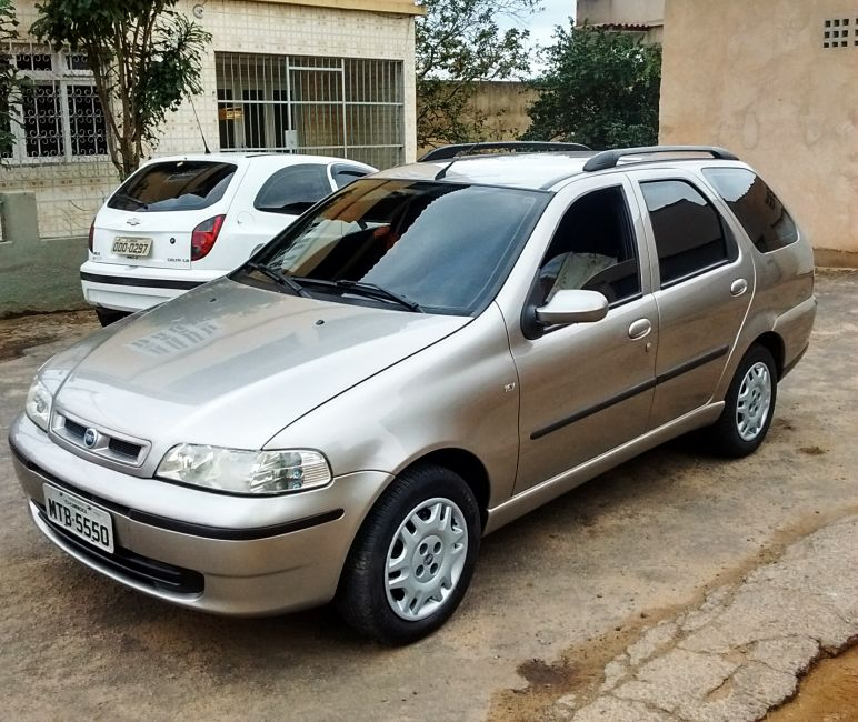 Fiat Palio Weekend Stile 1.6 MPi 16V - Foto #1