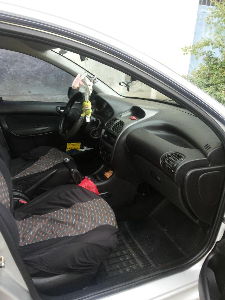 Peugeot 206 Hatch. Feline 1.4 8V - Foto #5