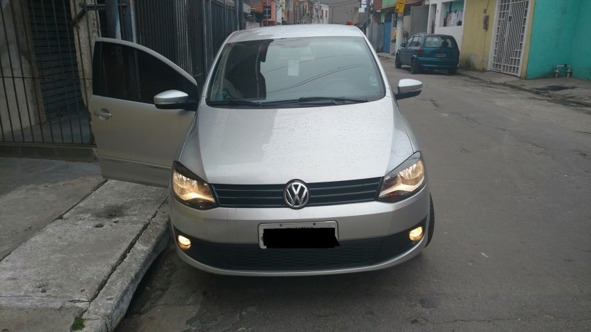 Volkswagen Fox 1.6 8V I-Motion (Flex) - Foto #1