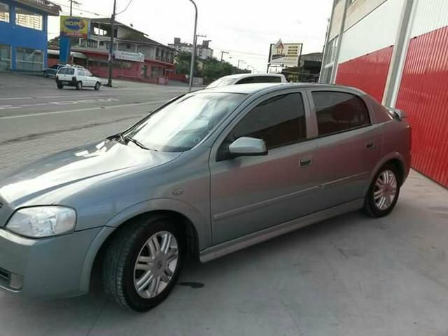 Chevrolet Astra Hatch CD 2.0 8V (Aut) - Foto #2