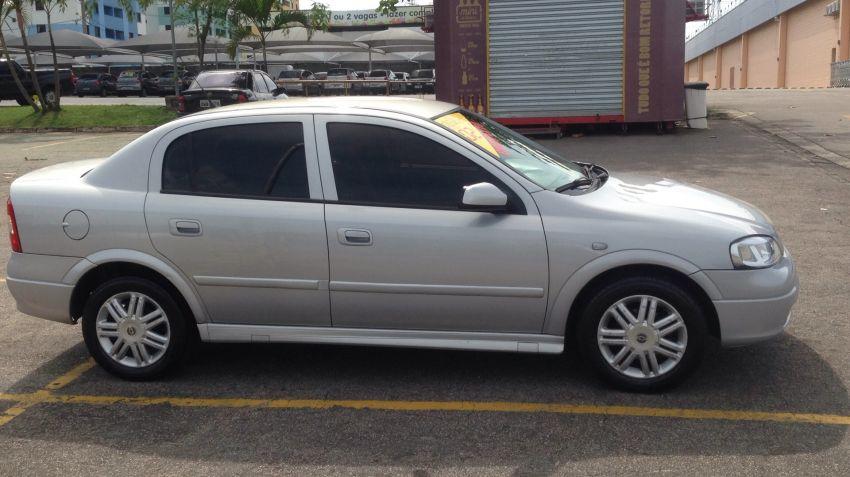 Chevrolet Astra Sedan CD 2.0 8V (Aut) - Foto #2