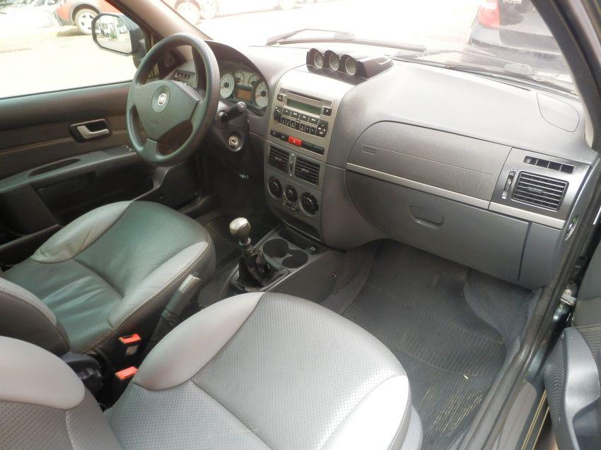 Fiat Strada Adventure 1.8 8V (Flex) (Cab Estendida) - Foto #5