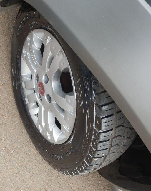 Fiat Strada Adventure 1.8 8V (Flex) (Cab Estendida) - Foto #7