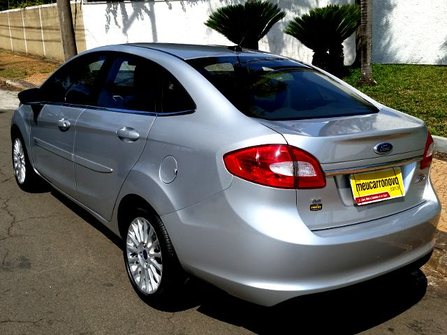 Ford New Fiesta Sedan 1.6 SE - Foto #2