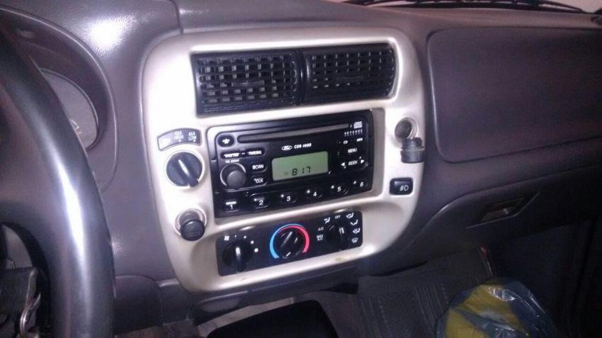 Ford Ranger XLT 4x4 2.8 Turbo (Cab Dupla) - Foto #2
