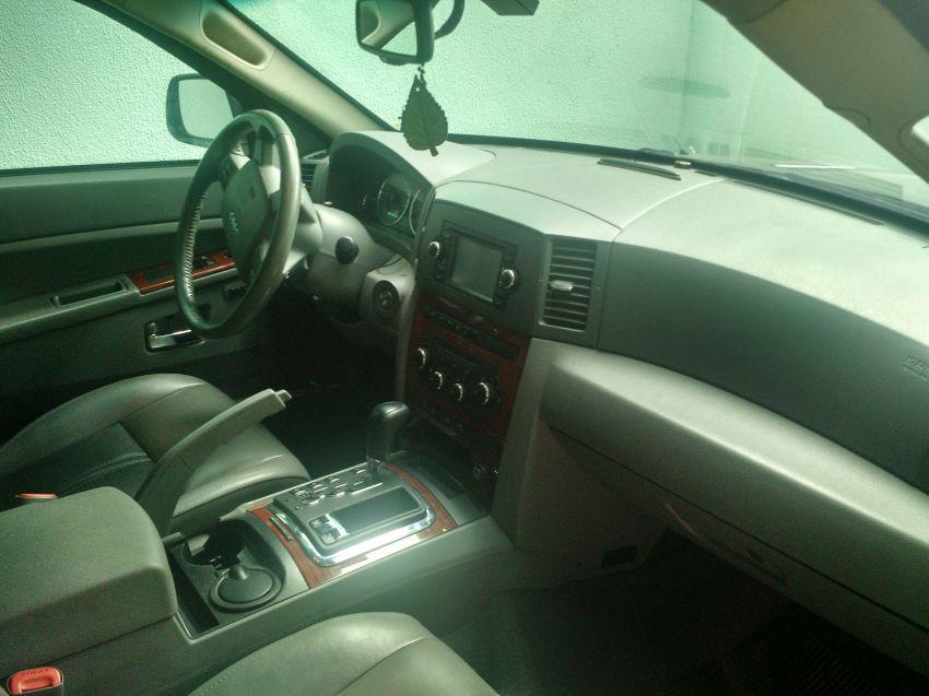 Jeep Grand Cherokee Limited 4.7 V8 - Foto #4