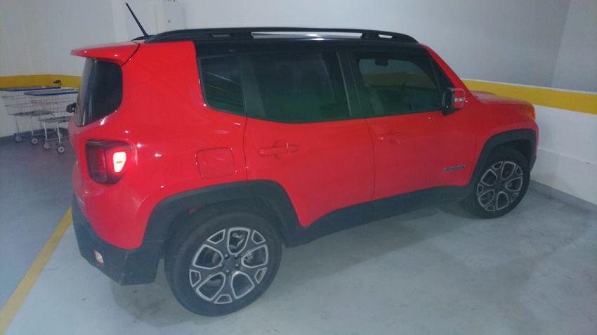 Jeep Renegade Longitude 1.8 (Flex) (Aut) - Foto #2