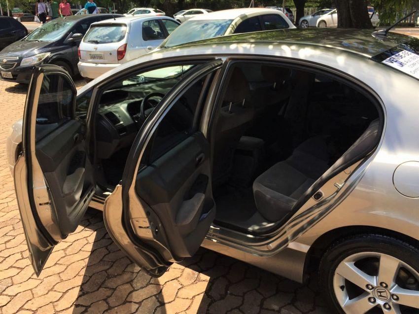 Honda New Civic LXS 1.8 (aut) (flex) - Foto #4