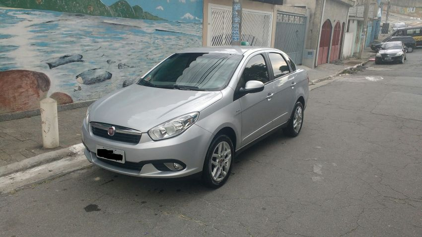 Fiat Grand Siena Essence Dualogic 1.6 16V (Flex) - Foto #1