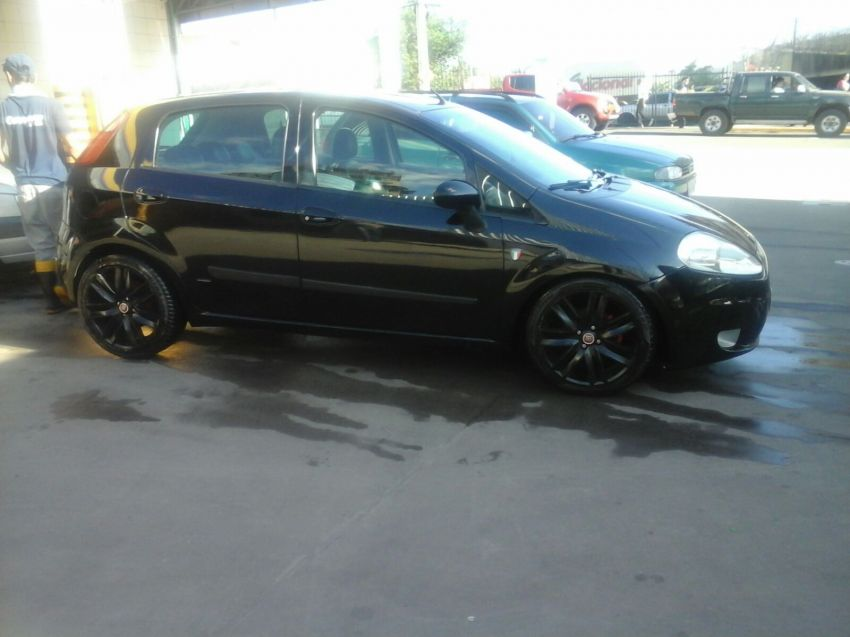 Fiat Punto HLX 1.8 (Flex) - Foto #1