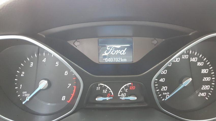Ford Focus Hatch S 1.6 16V TiVCT - Foto #2