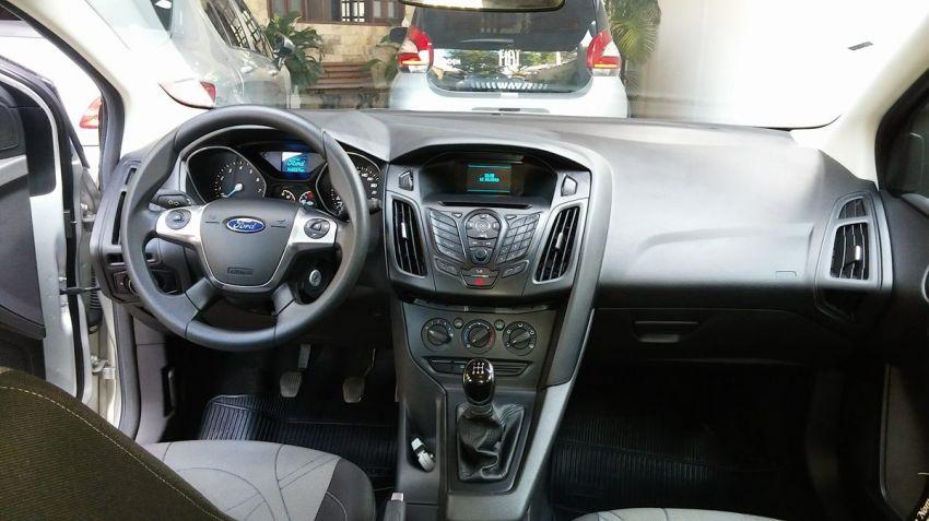 Ford Focus Hatch S 1.6 16V TiVCT - Foto #6