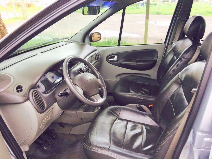 Renault Scénic Privilége 2.0 16V - Foto #4