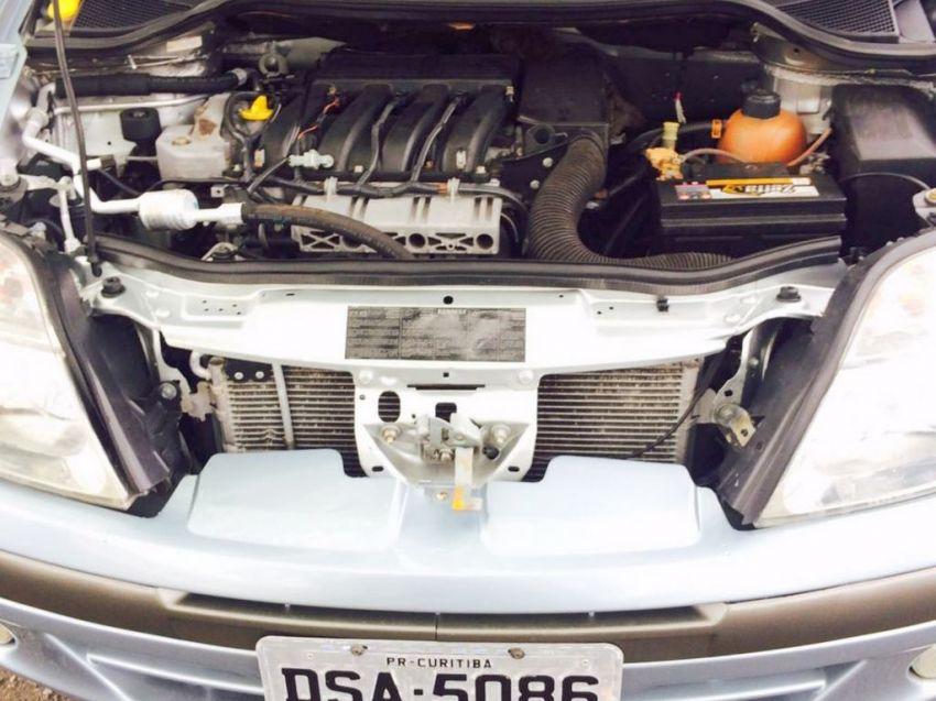 Renault Scénic Privilége 2.0 16V - Foto #10