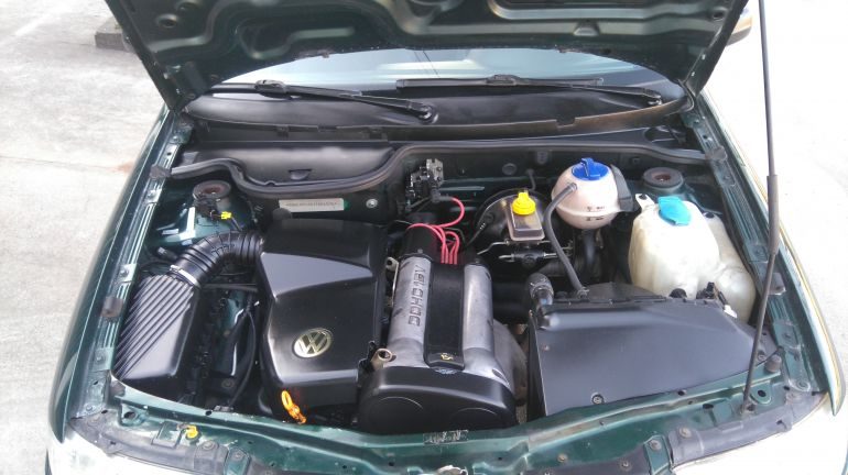Volkswagen Gol Plus 1.0 16V MI - Foto #4