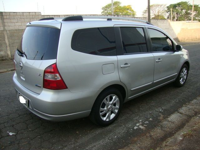 Nissan Grand Livina SL 1.8 16V (flex) (aut) - Foto #5