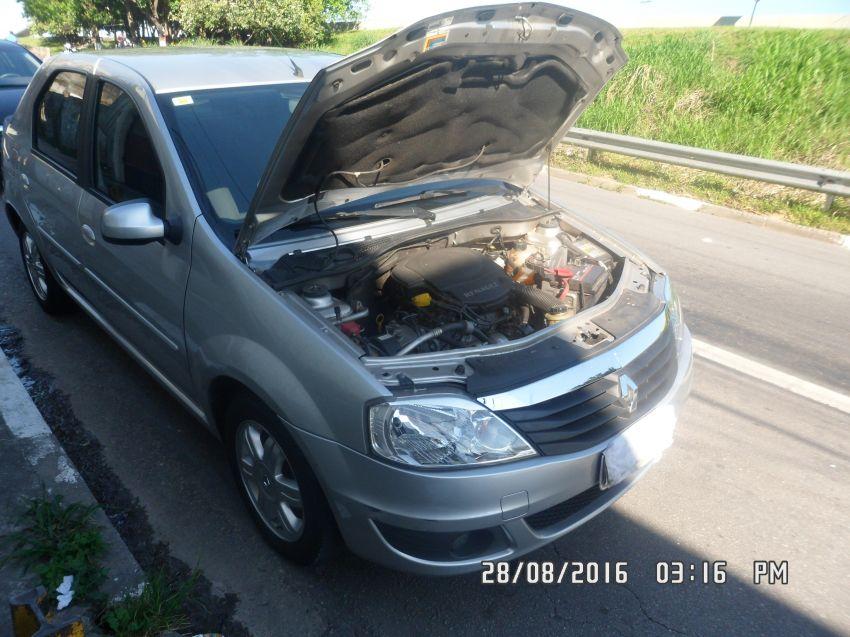 Renault Logan Expression 1.6 8V - Foto #5