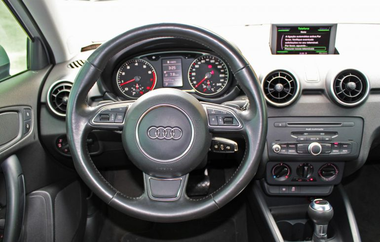 Audi A1 1.4 TFSI S tronic Attraction - Foto #2