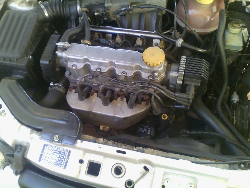 Chevrolet Corsa Hatch GL 1.6 MPFi 4p - Foto #7