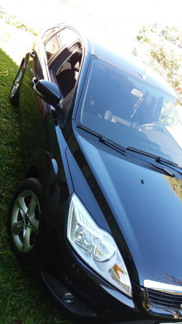 Ford Focus Hatch GLX 1.6 8V (Flex) - Foto #3