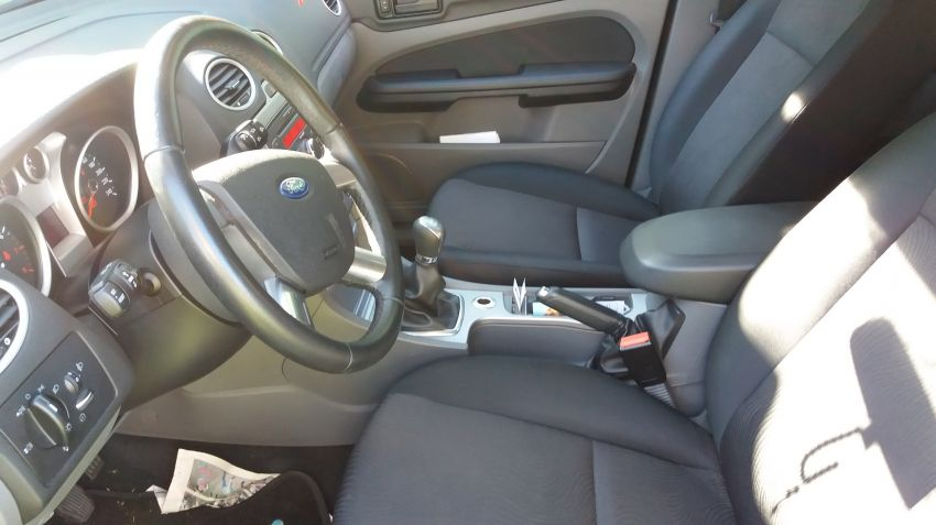 Ford Focus Hatch GLX 1.6 8V (Flex) - Foto #4