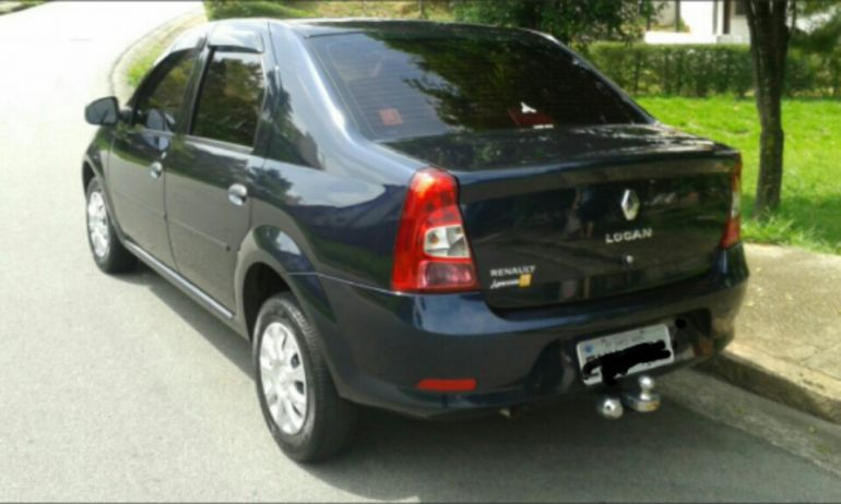 Renault Logan Authentique 1.0 16V (flex) - Foto #1