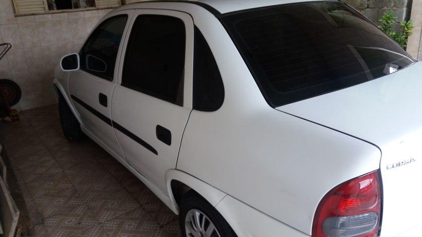 Chevrolet Corsa Sedan Super Milenium 1.0 MPFi 16V - Foto #1