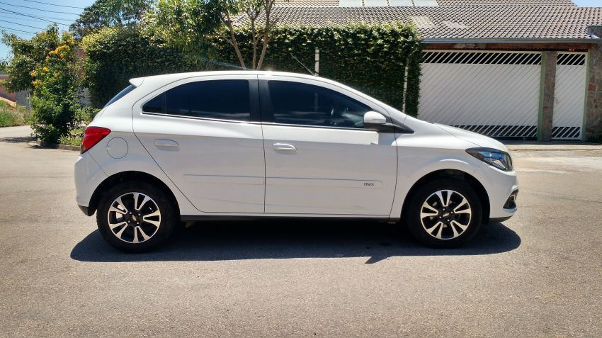 Chevrolet Onix 1.4 LTZ SPE/4 Eco (Aut) - Foto #9
