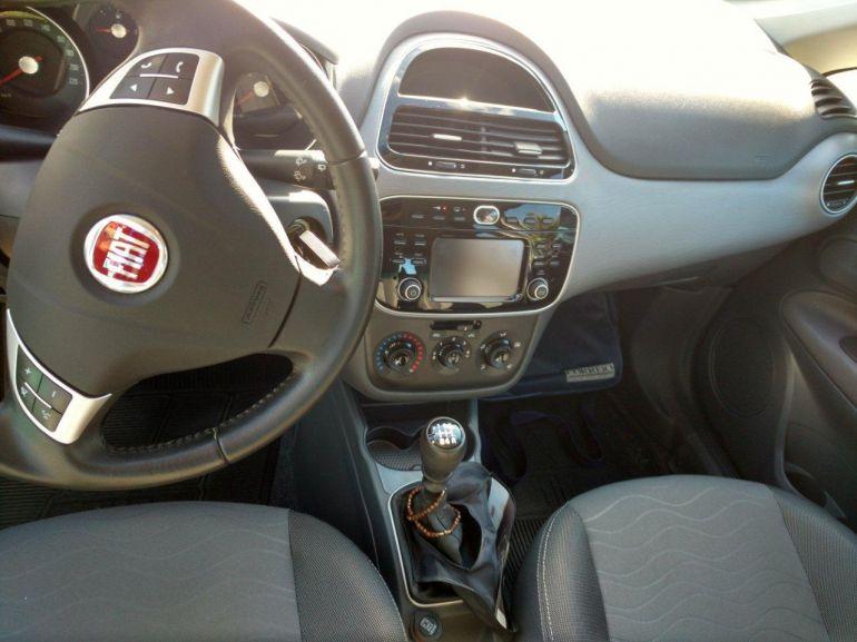 Fiat Punto Essence 1.6 16V (Flex) - Foto #10