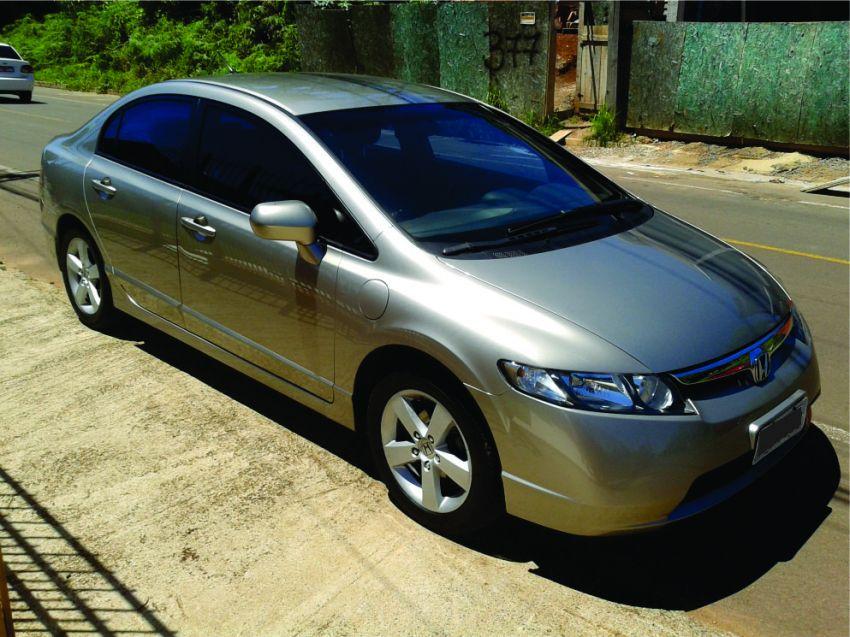 Honda Civic LXS 1.8 i-VTEC (Flex) (Aut) - Foto #3