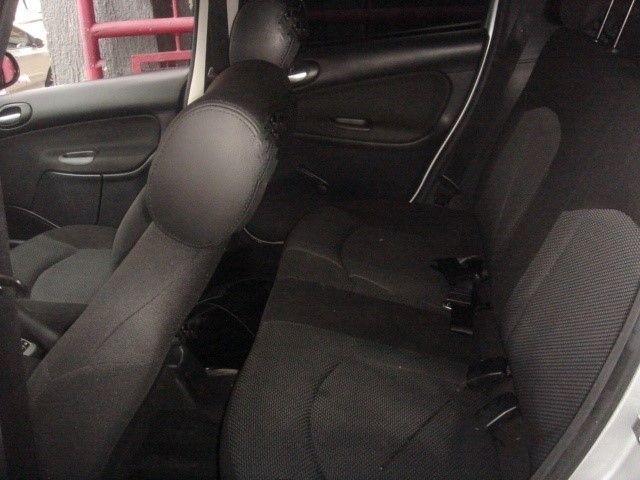 Peugeot 207 SW XR S 1.4 8V (flex) - Foto #9