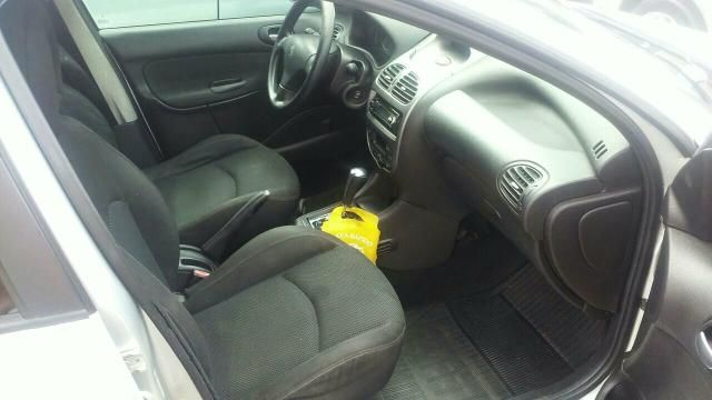 Peugeot 206 Hatch. Feline Automatic 1.6 16V (flex) - Foto #5